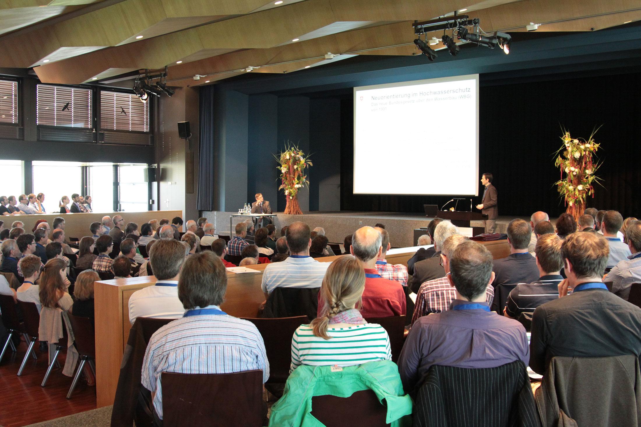 Symposium Projekt Hochwasserschutz Linth 2000